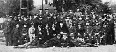 Załoga Miejskiego Towarzystwa Komunikacyjnego w 1930 roku