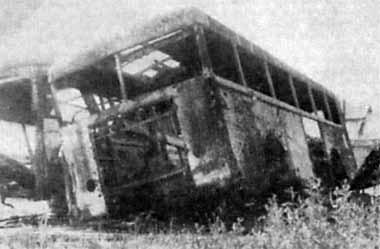 Po wyzwoleniu GdyniWmarcu 1945 r.: wrak trolejbusu typu Henschel 01